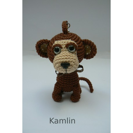 Háčkovaný přívěsek - opička