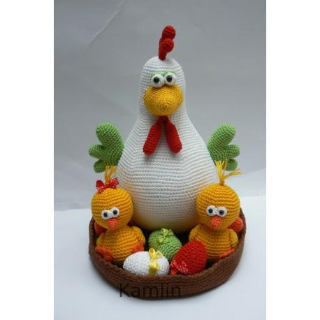 Návod na háčkovanou slepičku s kuřátky a vajíčky v ošatce