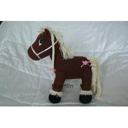 Návod na háčkovaného koníka Hnědáčka