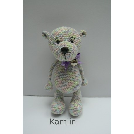 Háčkovaný medvídek duhový - fialová mašlička