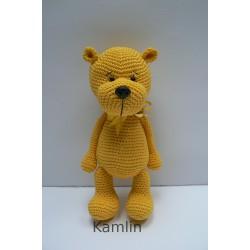 Háčkovaný medvídek - žlutý